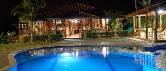 Finca el portal de las gemelas for Construccion de piscinas en guatemala